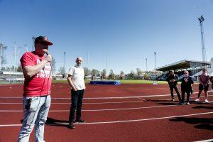 Carlstad Crusaders klubbdirektör, Robert Sundberg, och CloudPros VD, Gurra Gustafsson, under ett matchevenemang förra säsongen.